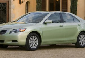 Toyota Cries Foul In Hybrid Comparo: 'Camry Bigger Than Fusion'