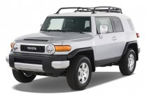 2007 Toyota FJ Cruiser 4WD 4-door Manual (Natl) Angular Front Exterior View