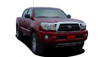 2007 Toyota Tacoma 4WD Double 128 V6 AT (Natl) Angular Front Exterior View