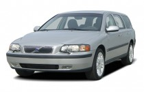 2007 Volvo V70 4-door Wagon 2.4L AT FWD Angular Front Exterior View