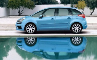 Citroen Surprises with C4 Picasso