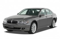 2008 BMW 7-Series 4-door Sedan 750i Angular Front Exterior View