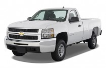 "2008 Chevrolet Silverado 2500HD 2WD Reg Cab 133"" Work Truck Angular Front Exterior View"