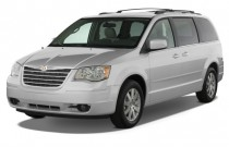 2008 Chrysler Town & Country 4-door Wagon Touring Angular Front Exterior View