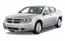 2008 Dodge Avenger 4-door Sedan R/T FWD Angular Front Exterior View