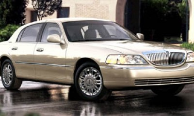 2008 Lincoln Town Car Photos