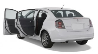 2008 Nissan Sentra 4-door Sedan Man SE-R Spec V Open Doors