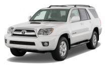 2008 Toyota 4Runner 4WD 4-door V6 Sport (Natl) Angular Front Exterior View