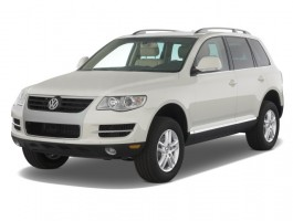 2008 Volkswagen Touareg 4-door V6 Angular Front Exterior View