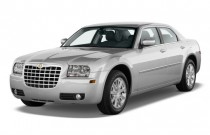 2009 Chrysler 300-Series 4-door Sedan 300 Touring RWD Angular Front Exterior View
