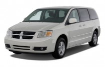 2009 Dodge Grand Caravan 4-door Wagon SXT Angular Front Exterior View