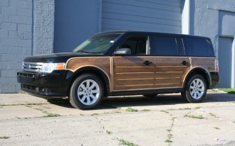 Got Wood? The 2009 Ford Flex Does