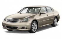 2009 Infiniti M35 4-door Sedan RWD Angular Front Exterior View