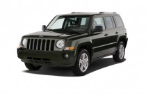 2009 Jeep Patriot FWD 4-door Limited Angular Front Exterior View