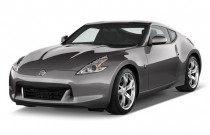 2009 Nissan 370Z 2-door Coupe Auto Angular Front Exterior View