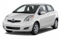 2009 Toyota Yaris 5dr HB Auto (Natl) Angular Front Exterior View