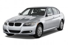 2010 BMW 3-Series 4-door Sedan 328i RWD Angular Front Exterior View