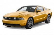 2010 Ford Mustang 2-door Coupe GT Premium Angular Front Exterior View