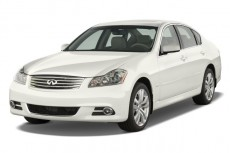 2010 Infiniti M45 4-door Sedan RWD Angular Front Exterior View