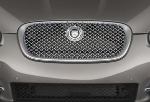 2010 Jaguar XF 4-door Sedan XF Supercharged Grille
