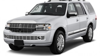 2010 Lincoln Navigator 2WD 4-door Angular Front Exterior View