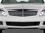 2010 Mercedes-Benz C Class 4-door Sedan 3.0L Luxury RWD Grille