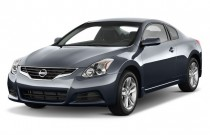 2010 Nissan Altima 2-door Coupe I4 CVT 2.5 S Angular Front Exterior View
