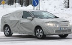 Spy shots: Renault Megane Sedan caught winter testing