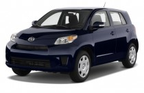 2010 Scion xD 5dr HB Man (Natl) Angular Front Exterior View