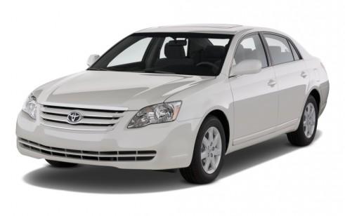 2010 Toyota Avalon 4-door Sedan XL (NAT) Angular Front Exterior View