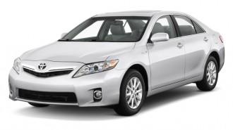2010 Toyota Camry Hybrid 4-door Sedan (Natl) Angular Front Exterior View
