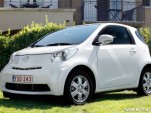 2010 toyota iq motorauthority 007