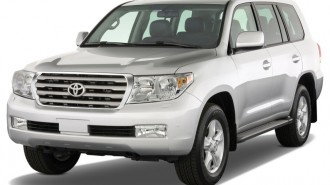 2010 Toyota Land Cruiser 4-door 4WD (Natl) Angular Front Exterior View