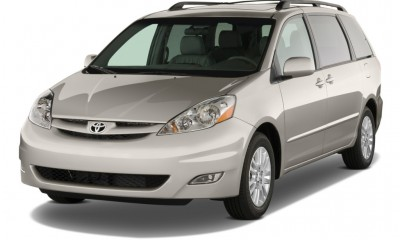 2010 Toyota Sienna Photos