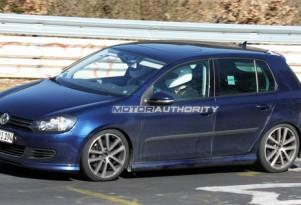 2010 Volkswagen Golf R20 spy shots