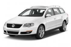 2010 Volkswagen Passat Wagon 4-door Auto Komfort FWD Angular Front Exterior View