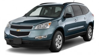 2011 Chevrolet Traverse FWD 4-door LS Angular Front Exterior View
