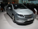 BREAKING: Chevrolet 2012 Volt $1,005 Cheaper, More Options