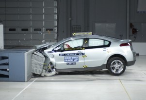 Chevy Volt, Nissan Leaf Are IIHS Top Safety Picks