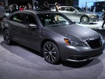 2011 Chrysler 200 S Sedan live photos