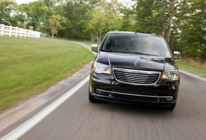 Dodge Grand Caravan, Chrysler Town & Country To Get AWD Again