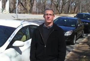 2011 Hyundai Elantra Vs 2011 Chevrolet Cruze Eco (Video)