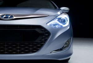2010 New York Auto Show Preview: 2011 Hyundai Sonata Hybrid Teaser