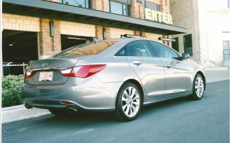 2011 Sonata SE:  Mid-size sedan, full-size hit