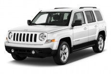 2011 Jeep Patriot FWD 4-door Latitude Angular Front Exterior View