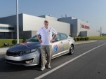 2012 Kia Optima Hybrid Touts Its World Record Gas Mileage (Video)
