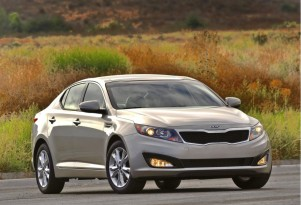 2011 Kia Optima Beats Honda Accord In CR Family-Sedan Test