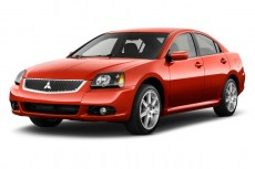 2011 Mitsubishi Galant 4-door Sedan SE Angular Front Exterior View