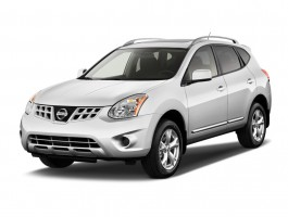 2011 Nissan Rogue FWD 4-door SV Angular Front Exterior View
