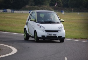 2011 Smart Electric Drive: Will Fewer Dealers Cut  Electric-Car Access?